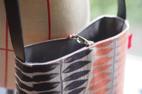 「shoulder bag 」with back pockets_e0243765_13444334.jpg