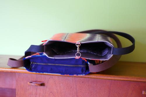 「shoulder bag 」with back pockets_e0243765_13450241.jpg