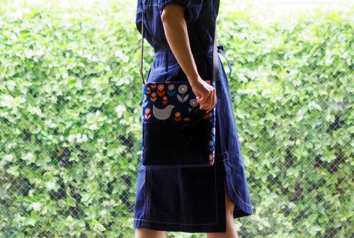 「shoulder bag 」with back pockets_e0243765_13521975.jpg