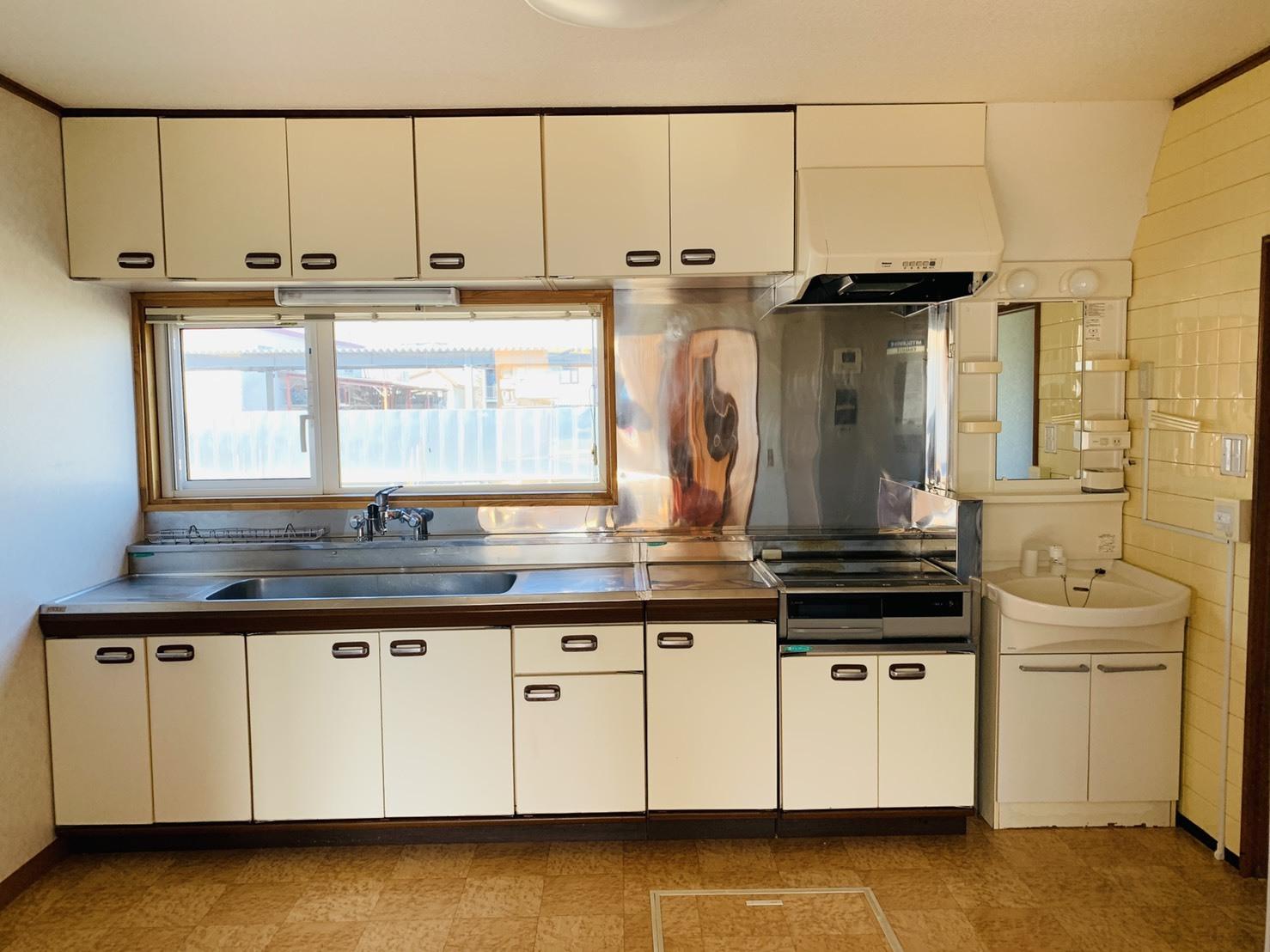 遺品整理の終わったお家の 清掃作業へ_a0239890_10570733.jpg