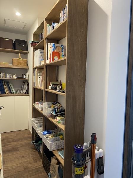 洗面所と リビングクローゼットの収納サポート♪_a0239890_16073563.jpg