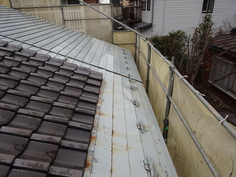屋根と外壁の塗装リフォーム_f0105112_05065453.jpg