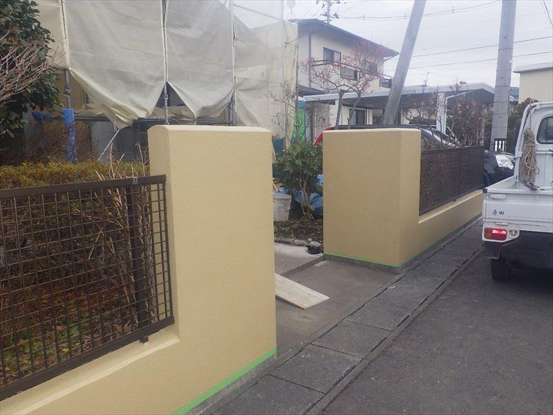 屋根と外壁の塗装リフォーム_f0105112_05211235.jpg