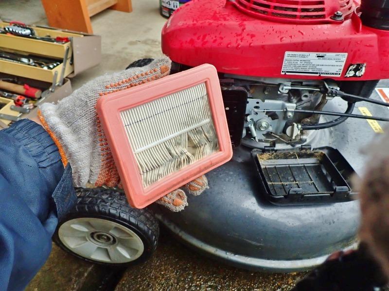 連休中には「芝刈り機の整備」を行いました_c0336902_20353163.jpg