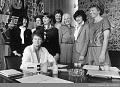 35年前の5月9日、世界初の「女性の内閣」がノルウェーに誕生した_c0166264_17493702.jpg