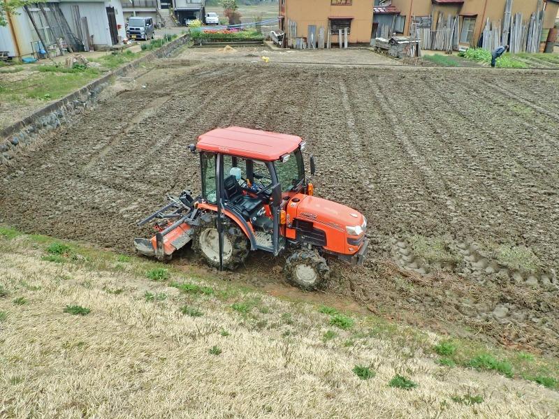 連休最後の兼業農家は最後に残っていた水田の春耕を行いました_c0336902_22084787.jpg
