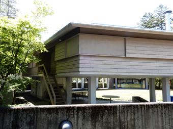 吉村順三の軽井沢の家を見学しました。_c0195909_11122411.jpg