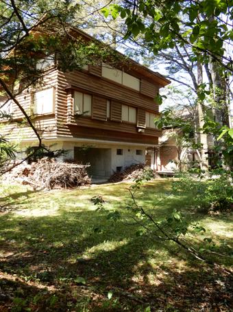 吉村順三の軽井沢の家を見学しました。_c0195909_11123630.jpg