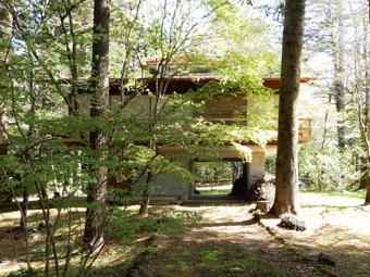 吉村順三の軽井沢の家を見学しました。_c0195909_11125622.jpg