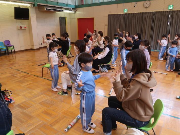 5月11日 年長組 母の日参観_a0212624_15180669.jpg