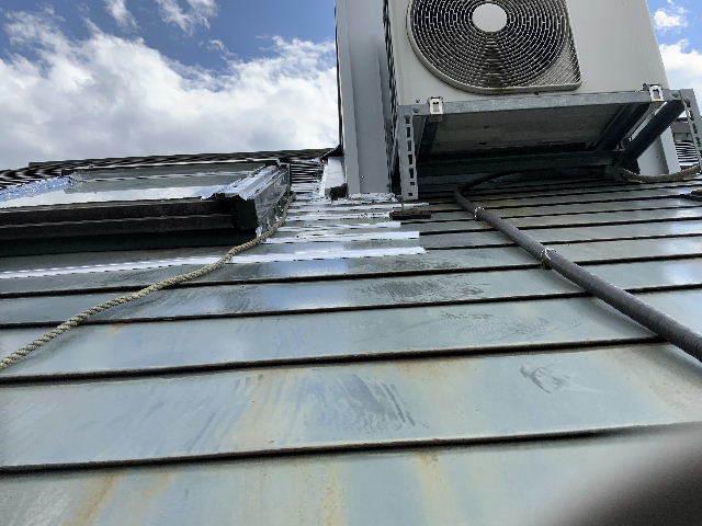 雨漏り天窓修理とクロス修理_f0031037_19123126.jpg