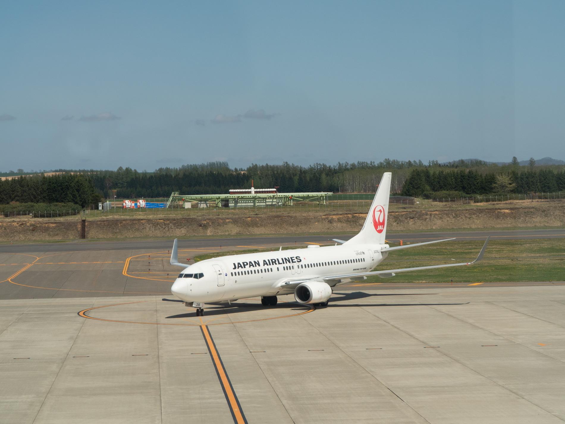 「とかち帯広空港」現在1日4便、飛行機の離発着を見学!_f0276498_23355913.jpg
