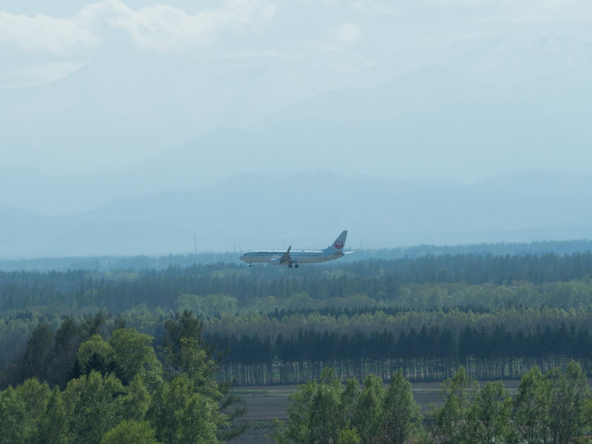 「とかち帯広空港」現在1日4便、飛行機の離発着を見学!_f0276498_23374458.jpg