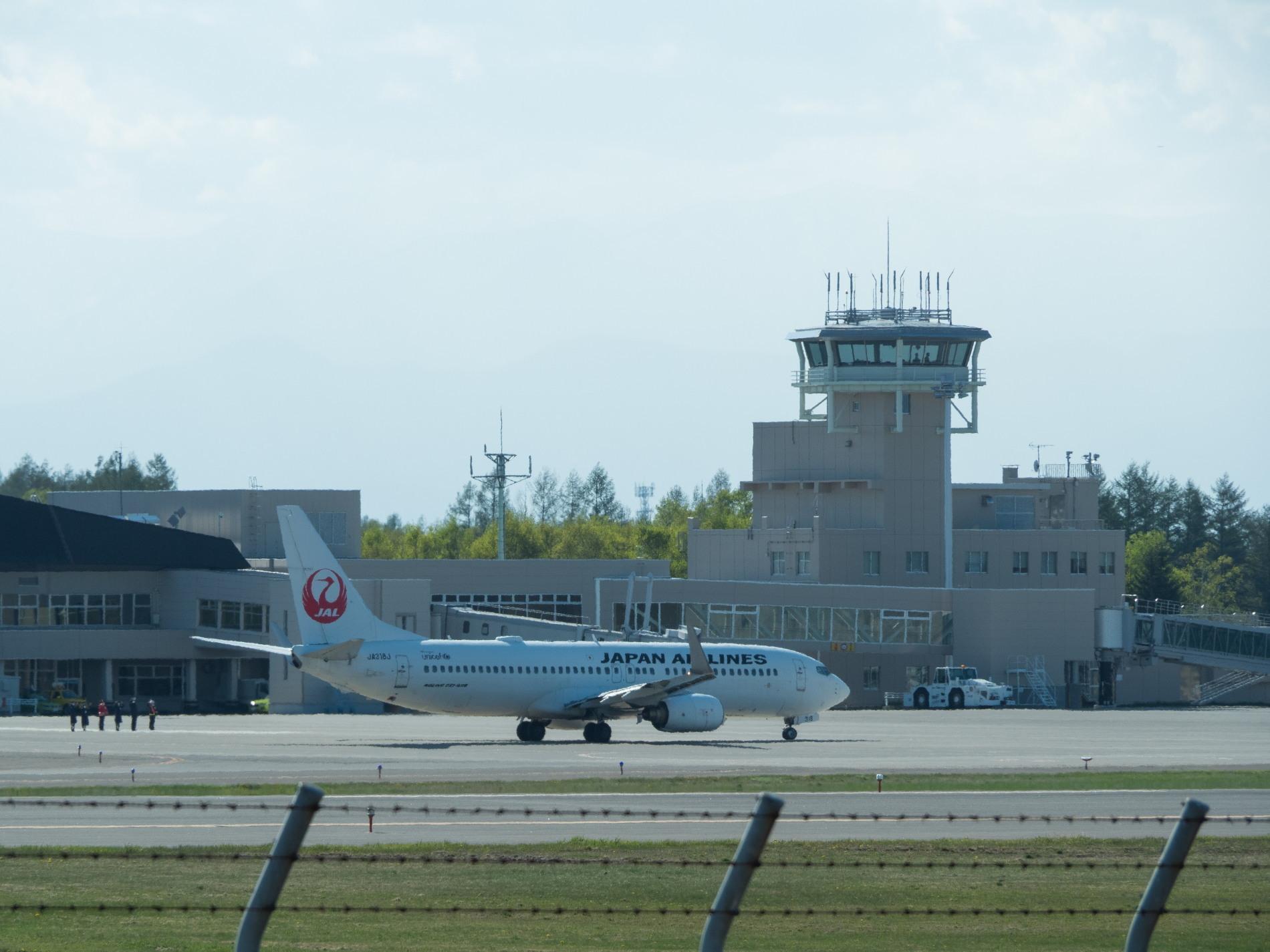 「とかち帯広空港」現在1日4便、飛行機の離発着を見学!_f0276498_23380889.jpg