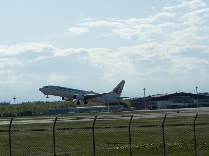「とかち帯広空港」現在1日4便、飛行機の離発着を見学!_f0276498_23381863.jpg