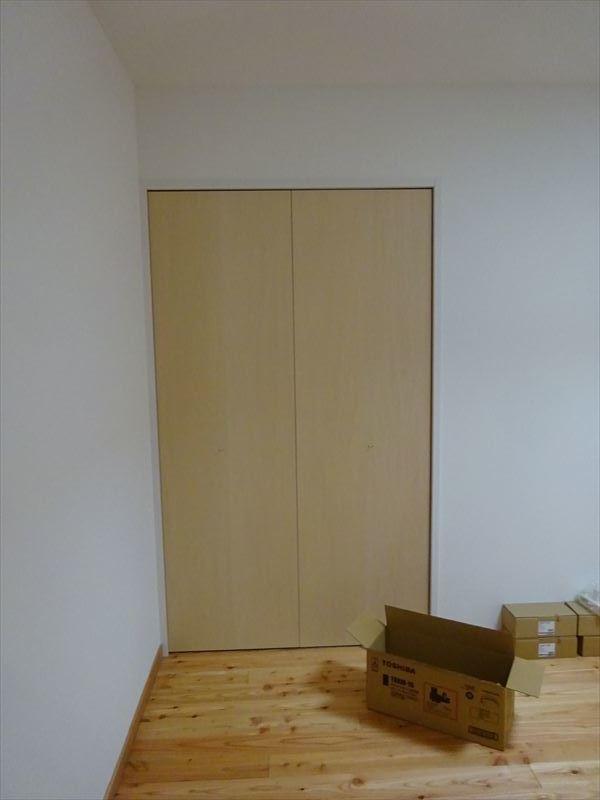 加賀野の住宅 終盤の仕上げ工事が進行中!_f0105112_04463852.jpg