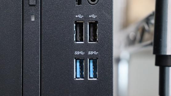 驚愕!USB3.0機器はゆっくり差すと2.0機器と認識する_d0227044_09374486.jpg
