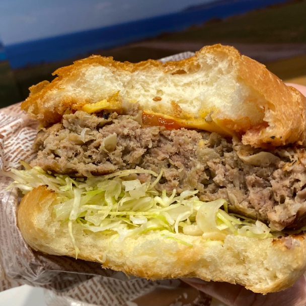 石垣島ミルミル本舗X偏愛食堂のハンバーガーを横浜そごうで食べました。_f0054556_09183659.jpg