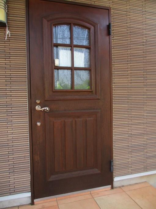 ドアが綺麗になりました!_c0186983_14184956.jpg