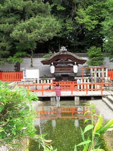 下賀茂神社 深緑の森を本殿へ_e0048413_14534821.jpg