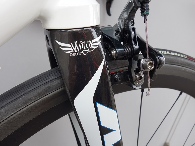MBK ALseries  Wing design アルミフレーム&カーボンフォーク ロードバイク_b0225442_16212370.jpg