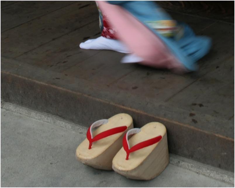 < 舞妓さん ⑩ >_c0036080_15153819.jpg