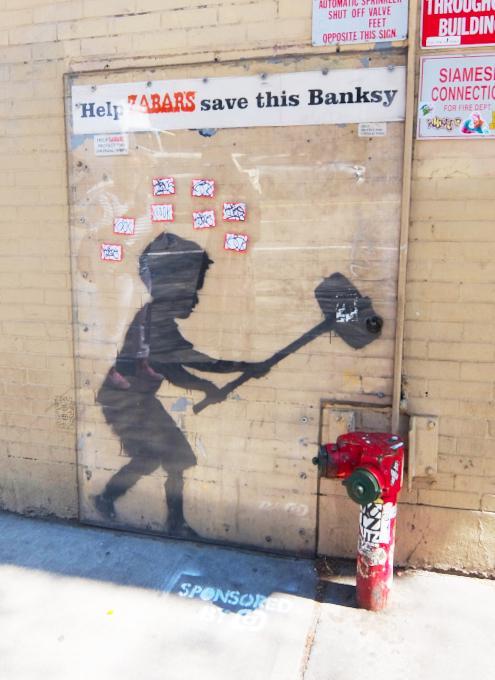 NYの街角アート、バンクシーさんの「ハンマー・ボーイ」壁画はココで見れます_b0007805_21021075.jpg