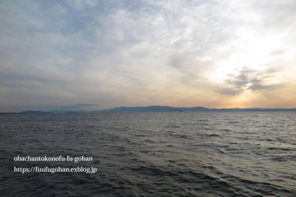 ホットオープンサンドの朝ごぱん&夕暮れの琵琶湖_c0326245_12051823.jpg