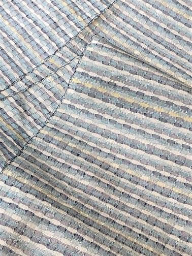 今年は経吉野で『ゼリーのミルフィーユ仕立て』着尺を織っています。_f0177373_18402004.jpg