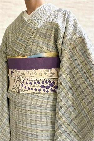 今年は経吉野で『ゼリーのミルフィーユ仕立て』着尺を織っています。_f0177373_18403825.jpg