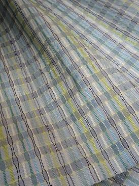 今年は経吉野で『ゼリーのミルフィーユ仕立て』着尺を織っています。_f0177373_18422809.jpg