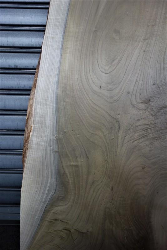朴(ホオノキ)一枚板 天板用_e0156341_07575212.jpg