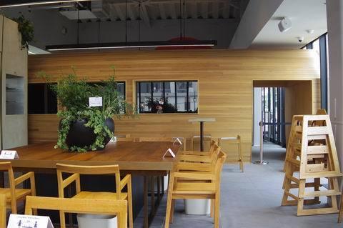 5/14 ロマンスカーミュージアムの前にカフェへ_e0094492_18224556.jpg