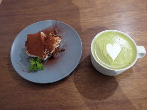 多摩川「hiff cafe ヒフカフェ」へ行く。_f0232060_17573241.jpg