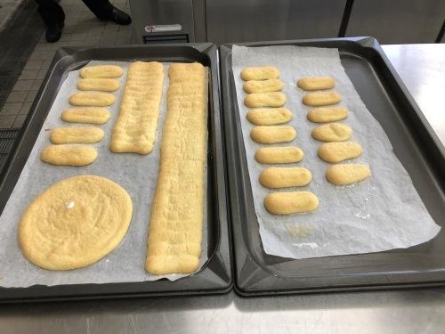 調理師科3年生洋菓子製パンコース_f0327389_14025471.jpg