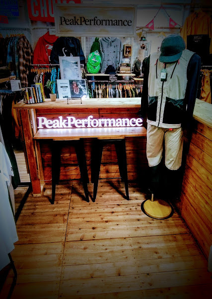 PeakPerformance POP UP開催!_d0198793_15121604.jpg