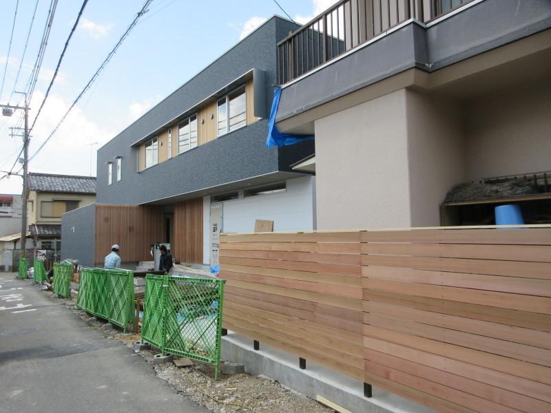 大家族の家がもうすぐ完成_c0405911_09195235.jpg