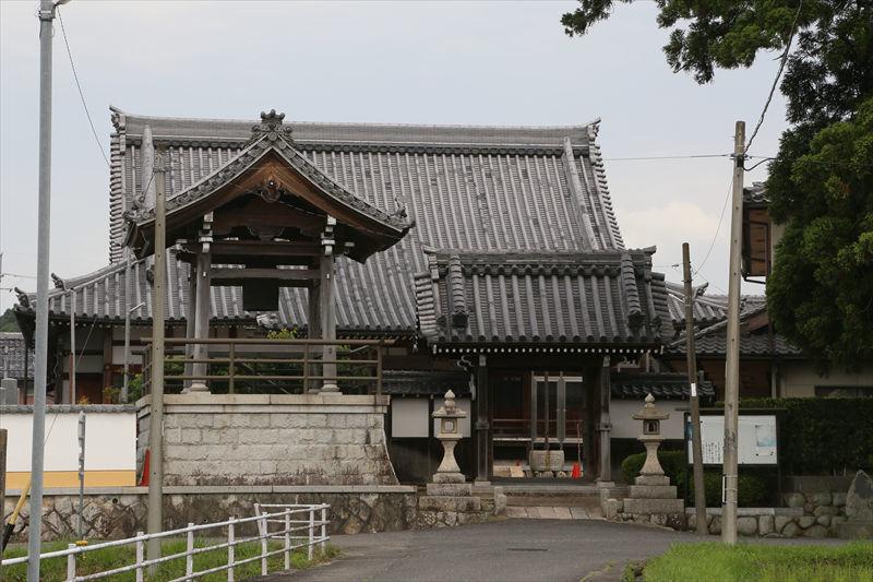京都の家に行く途中で一寸立ち寄りです (滋賀県甲賀市)_a0105680_10240578.jpg