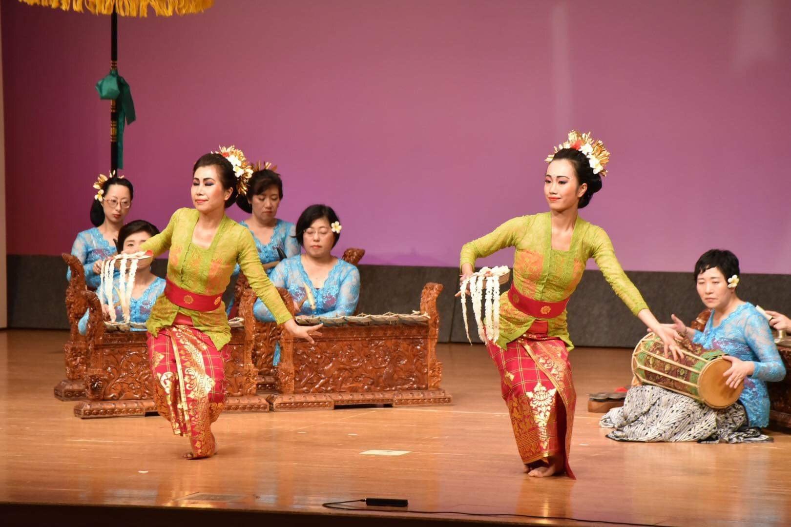 6月1日はバリ舞踊の日_e0017689_23545605.jpeg