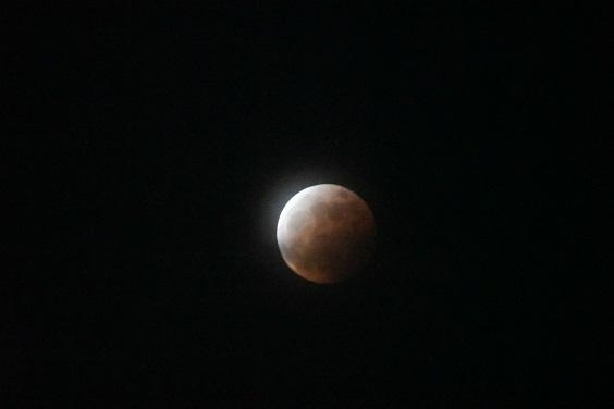 皆既月食_e0410394_21203907.jpg