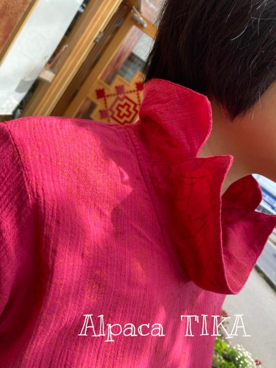 コットンのピンク色ブラウス・バティックレーヨンパンツ入荷しました_d0187468_15145410.jpg