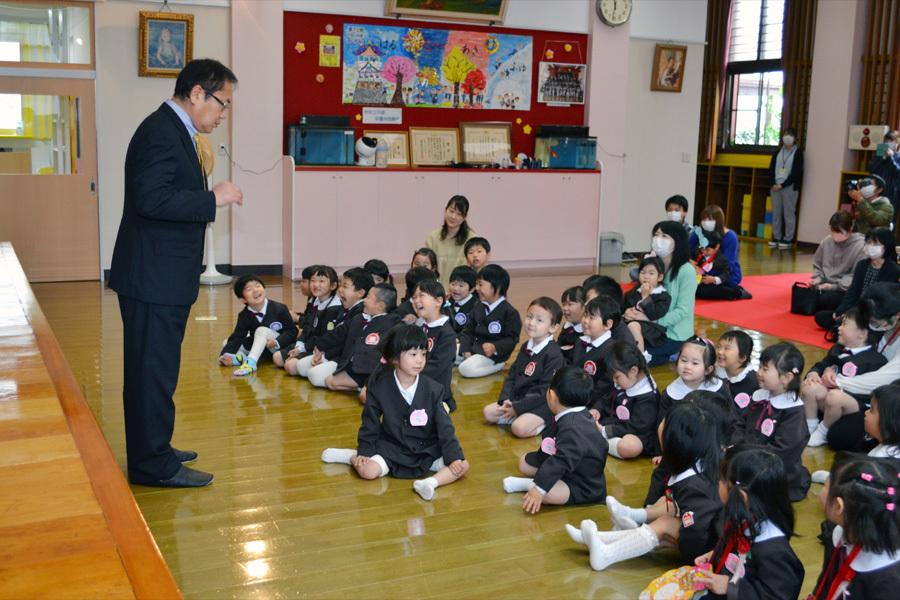 第一幼稚園の「お誕生会」_d0353789_15473496.jpg