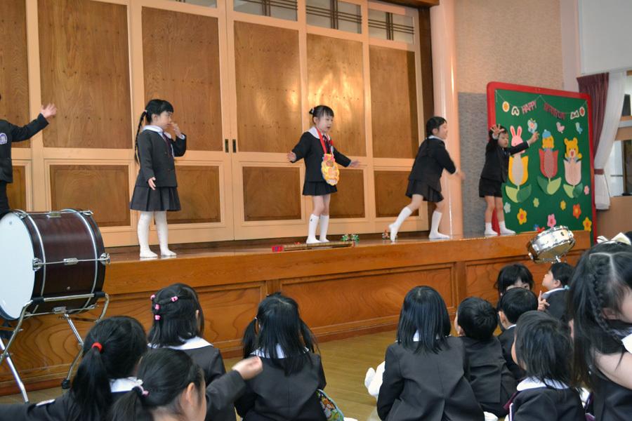 第一幼稚園の「お誕生会」_d0353789_15474289.jpg