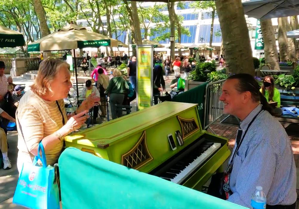ジョン・ウェーバー(Jon Weber)さんによる無料ピアノ演奏会、フル動画_b0007805_20372505.jpg