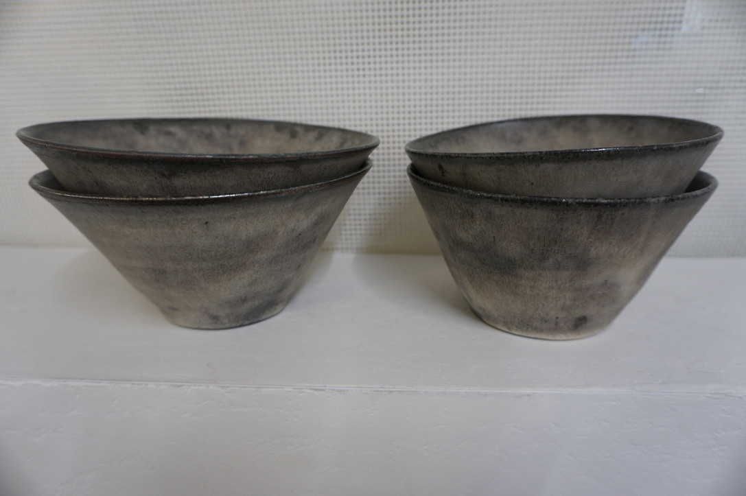 二井内覚さんのマグカップ・台形鉢 届きました_b0132442_18020284.jpeg