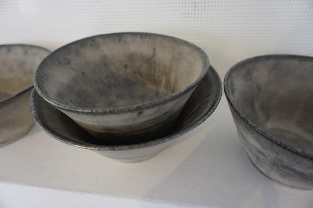 二井内覚さんのマグカップ・台形鉢 届きました_b0132442_18022770.jpeg