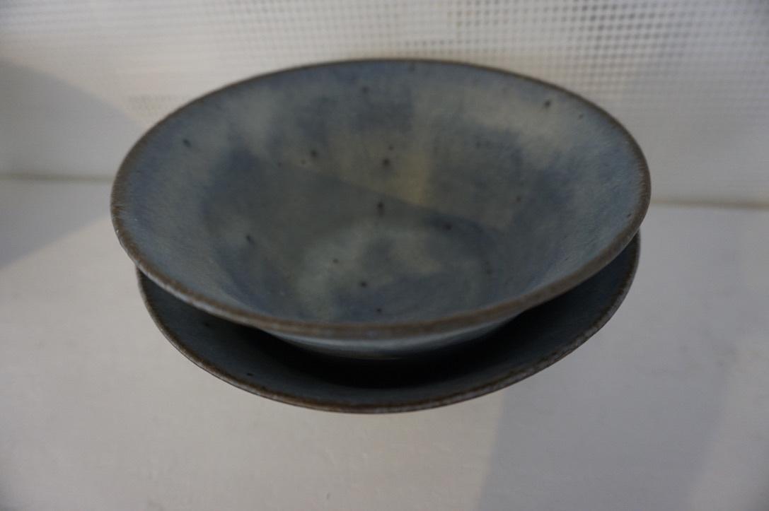 二井内覚さんのマグカップ・台形鉢 届きました_b0132442_18230676.jpeg