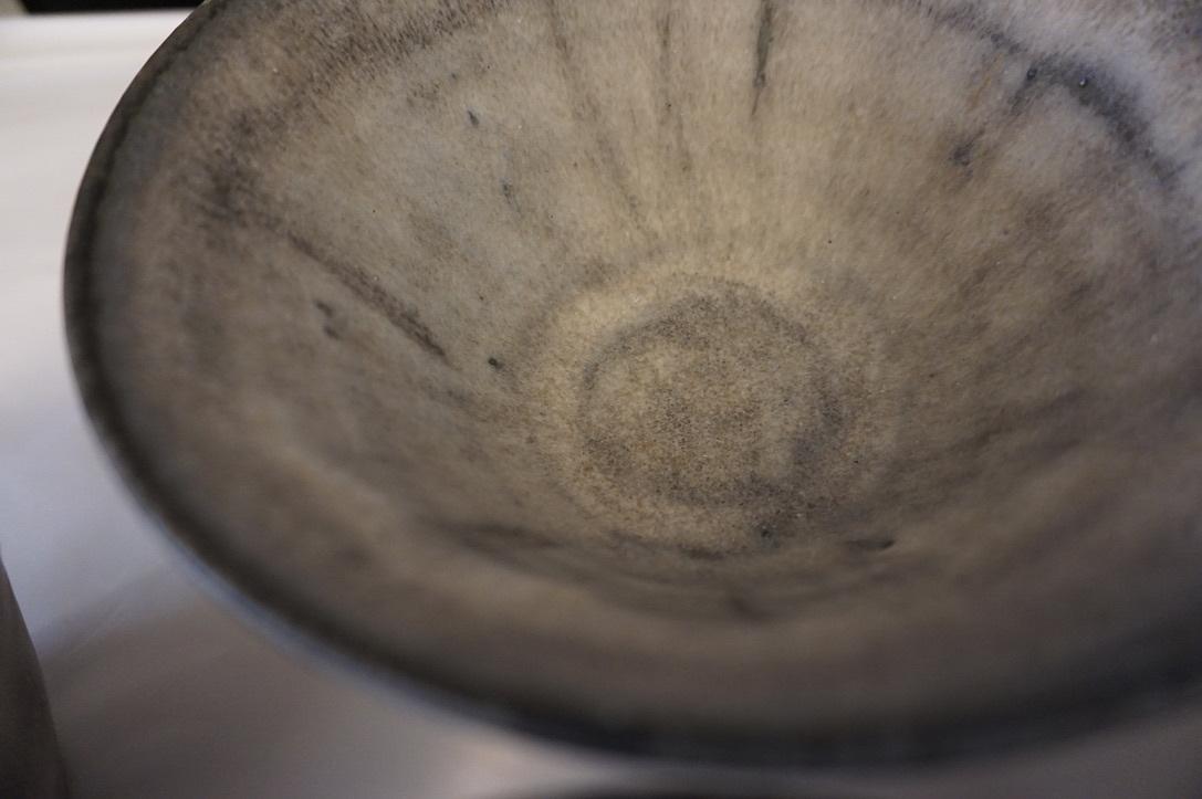 二井内覚さんのマグカップ・台形鉢 届きました_b0132442_18233957.jpeg