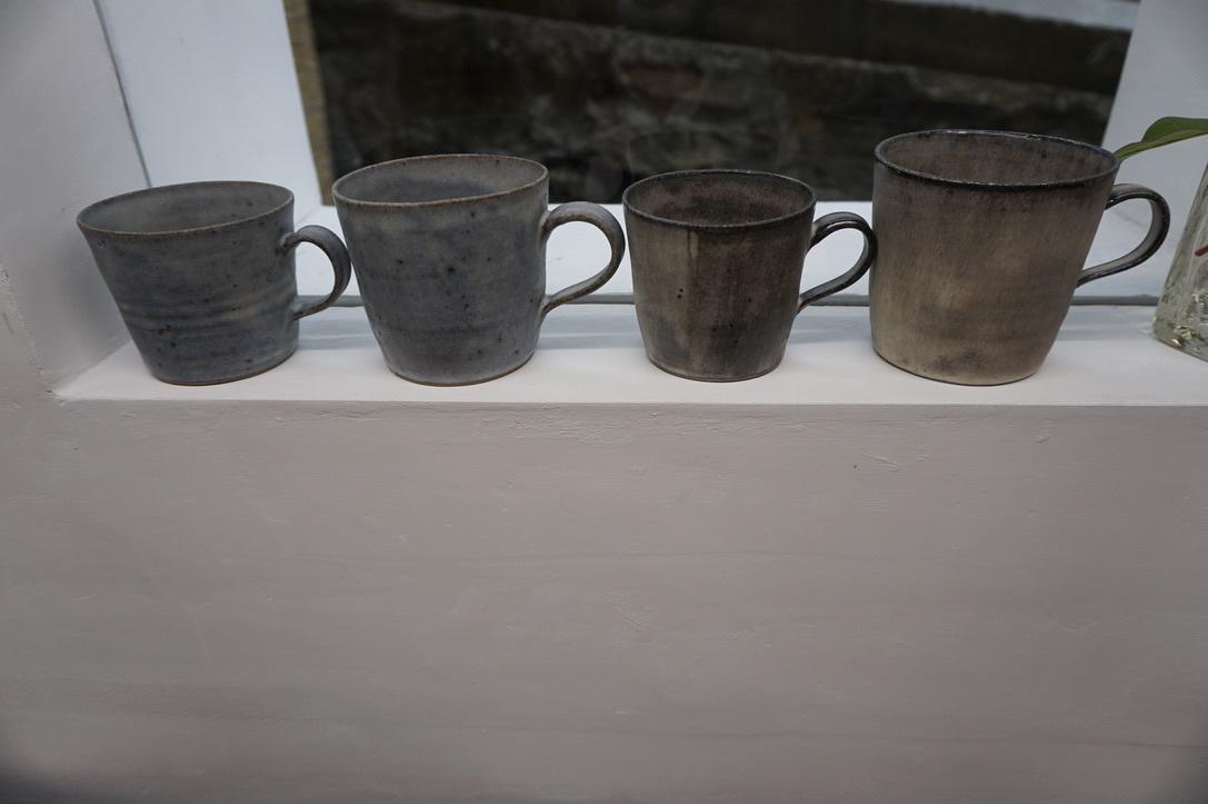 二井内覚さんのマグカップ・台形鉢 届きました_b0132442_18301779.jpeg