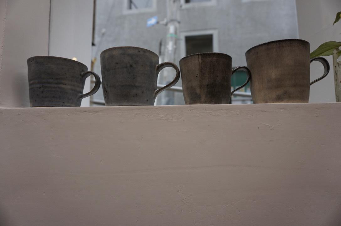 二井内覚さんのマグカップ・台形鉢 届きました_b0132442_18301950.jpeg